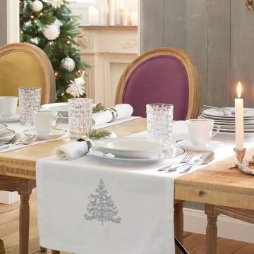 Weihnachtstisch im eleganten Alpenlook